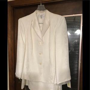 White  LeSuit suit